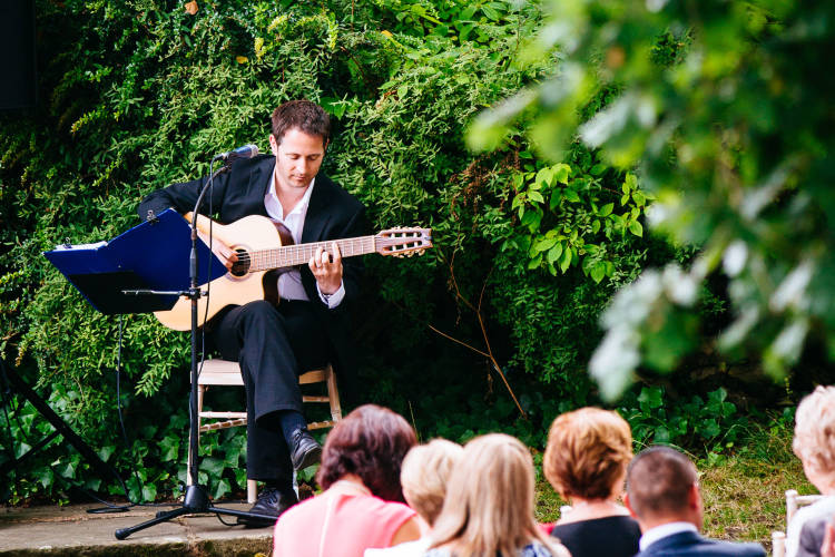 hire solo guitar for wedding in London